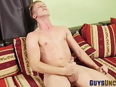 Uncut twink jerking his dick off