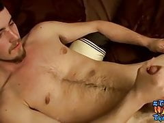 Real amateur jacking it off until he blasts out a load