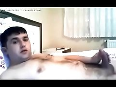 Wanking on bed 15917 - GayCamz.xyz