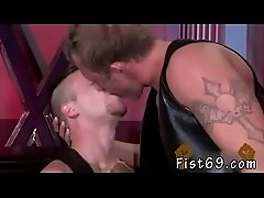 Twinks love fisting and free web cam gay Brian Bonds goes to Dr.