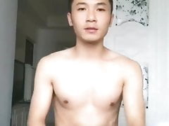 chinese twink shows his dick on cam chat (1'33'')