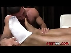 Teen twinks cumshots gay porn Tony Rock&#039_s Feet Worshiped