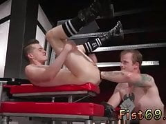 Fisting gay twinks pix Tatted hottie Bruce Bang spots