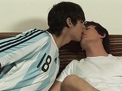 Twinks Latinos Adrian and Francoise Fucking