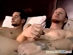 Amateur gay twink discipline Chris Gives Brian A Hand