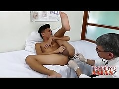 Cute twink Jude bangs with mature homo Daddy Mike