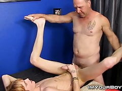 Preston Andrews cums while daddy Tee Cee anal fucks him