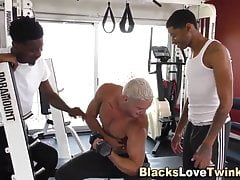 Gay twink gets interracial facial