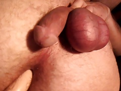 Sissy boy gapes his ass until he cums