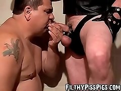Fat pig Lycan enjoys Shadows splashing cock in his mouth