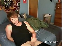 Hard dick gets what it deserves - livecamly.com