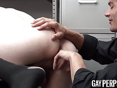Blond guard barebacks and rims shoplifter before cum spray