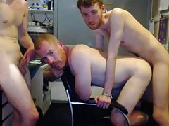 dad gets fucked by 2 twinks