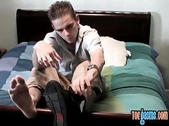 Skinny twink Skug rubbing young toes in fetish solo wank