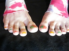 SUCK MY PAINTED TOES